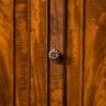 An early Victorian two-door mahogany side cabinet, attributed to Gillow close up