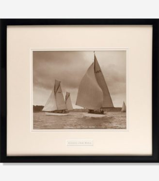 original Beken image of the Gaff rigged Ketch sunshine
