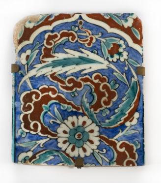 An Ottoman Iznik border tile, circa 1580,