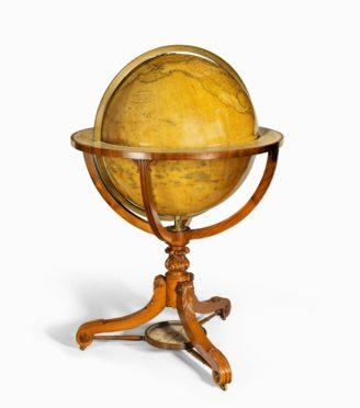 24-inch Newton globe main image